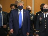 At last US President Trump ware mask to save himself from Corona