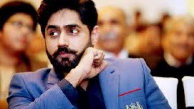 Singer-cum-politician Abrar-ul-Haq's car crashes