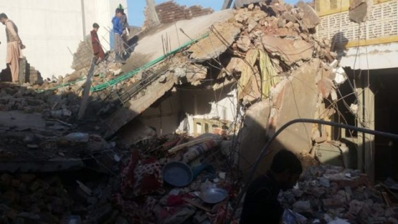 4-family members killed in Chunian roof collapse